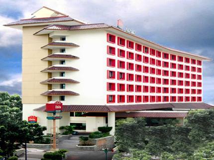 jasa backdrop hotel ibis jakarta