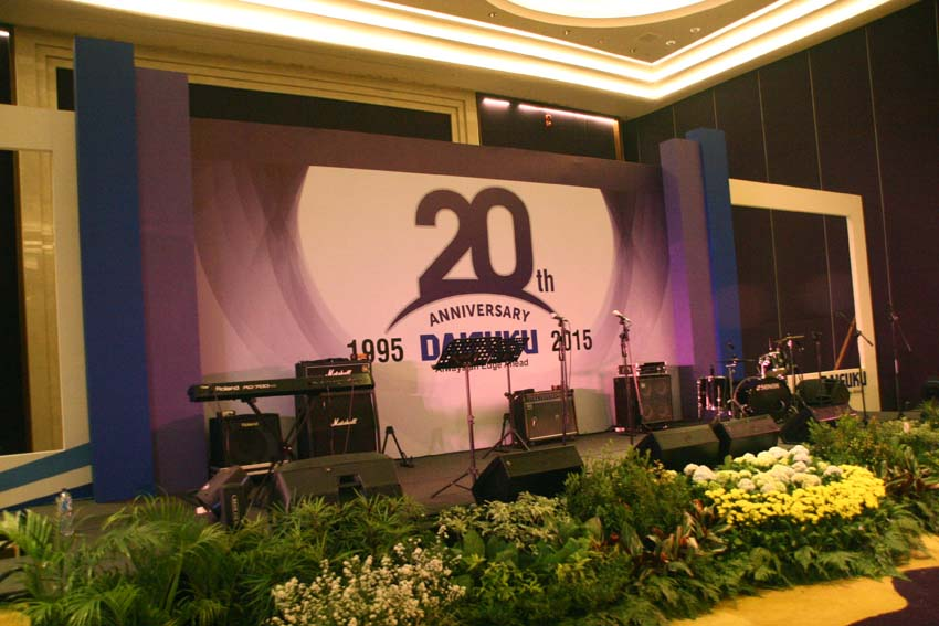 jasa backdrop hotel rafles